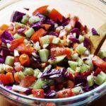Ceasar Salat mit roten Linsen